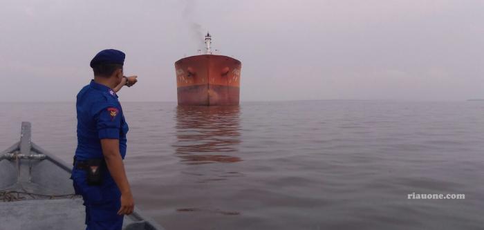 Diduga Hendak 'Kencing' BBM, Kapal Milik Pelindo Ditangkap Patroli Bea Cukai