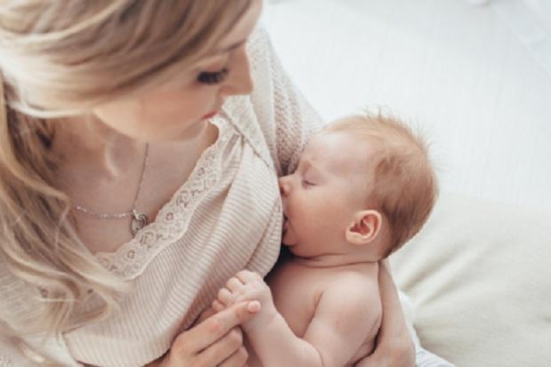 Usus Bayi yang Lahir Normal dan Caesar Ternyata Berbeda
